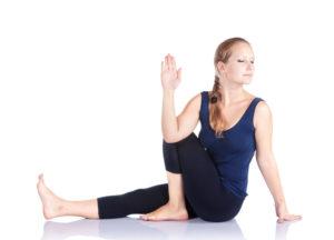 Få bedre fordøjelse med yoga