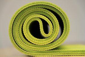 sådan rengør du din yogamåtte